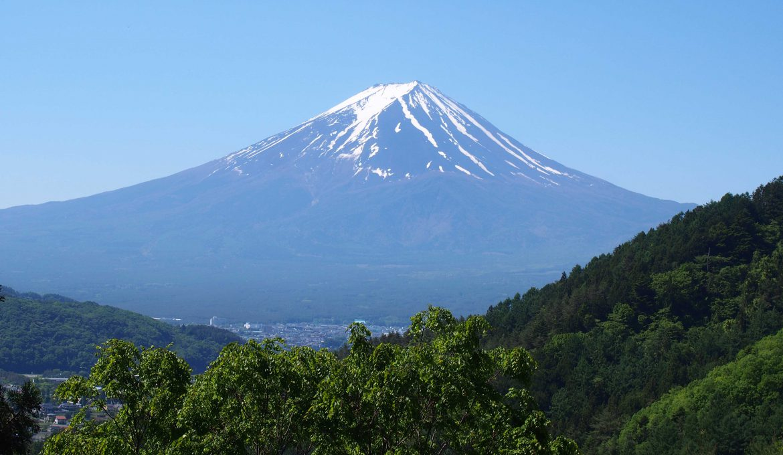 第10回 富士山~雄大な入道雲 成長の全貌臨む~